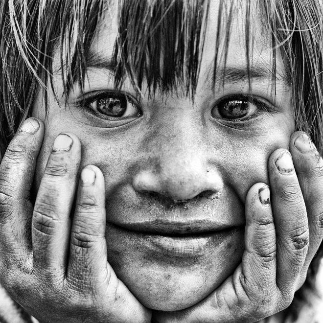 Dans les yeux d'un enfant de la rue