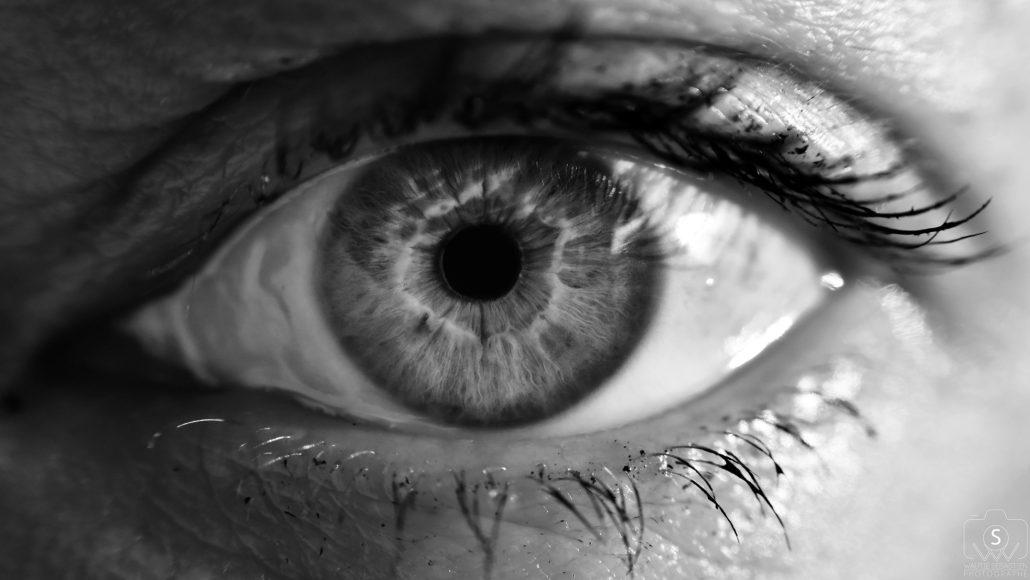 Les yeux par tout le monde n'ont qu'un même langage