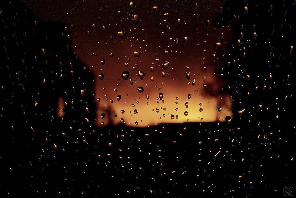 Une soirée d'automne pluvieuse