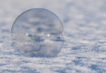 un monde dans une bulle de savon