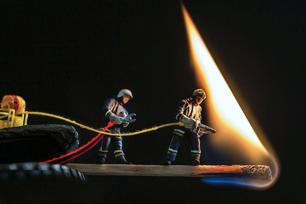 Au feu, les pompiers..