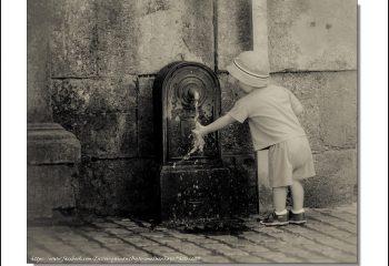 La fontaine et le petit garçon