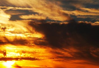 Le beau coucher du soleil du sud