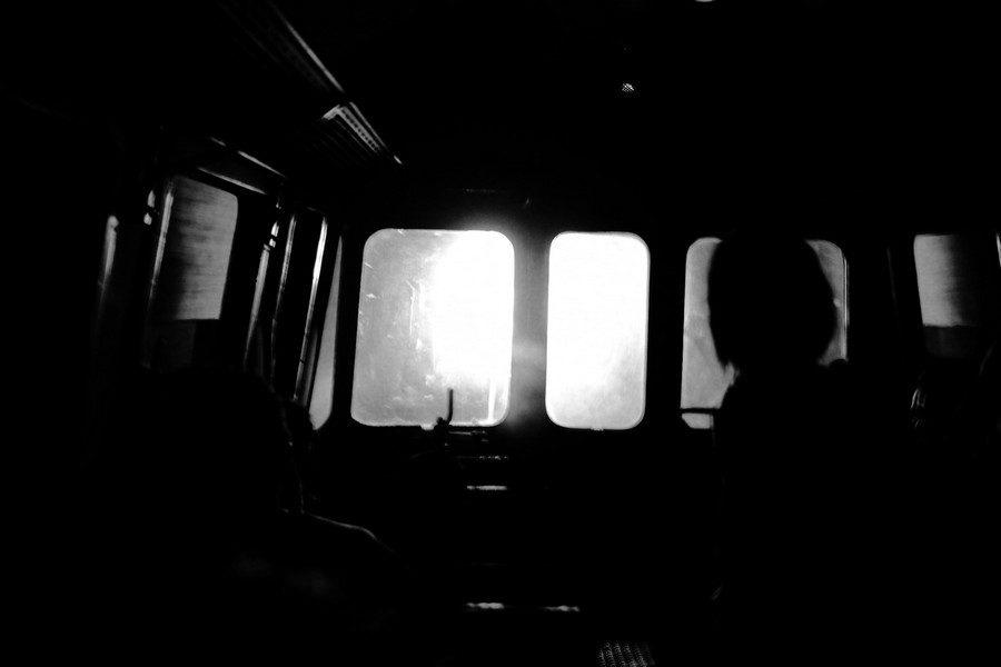 Voyage en vieux train – Entrée de tunnel