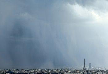 Rideau de pluie parisien