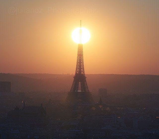 La tour Eiffel et notre étoile