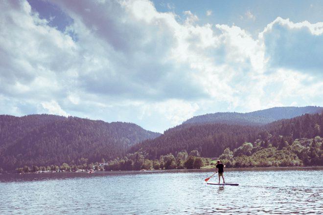L'homme et son paddle