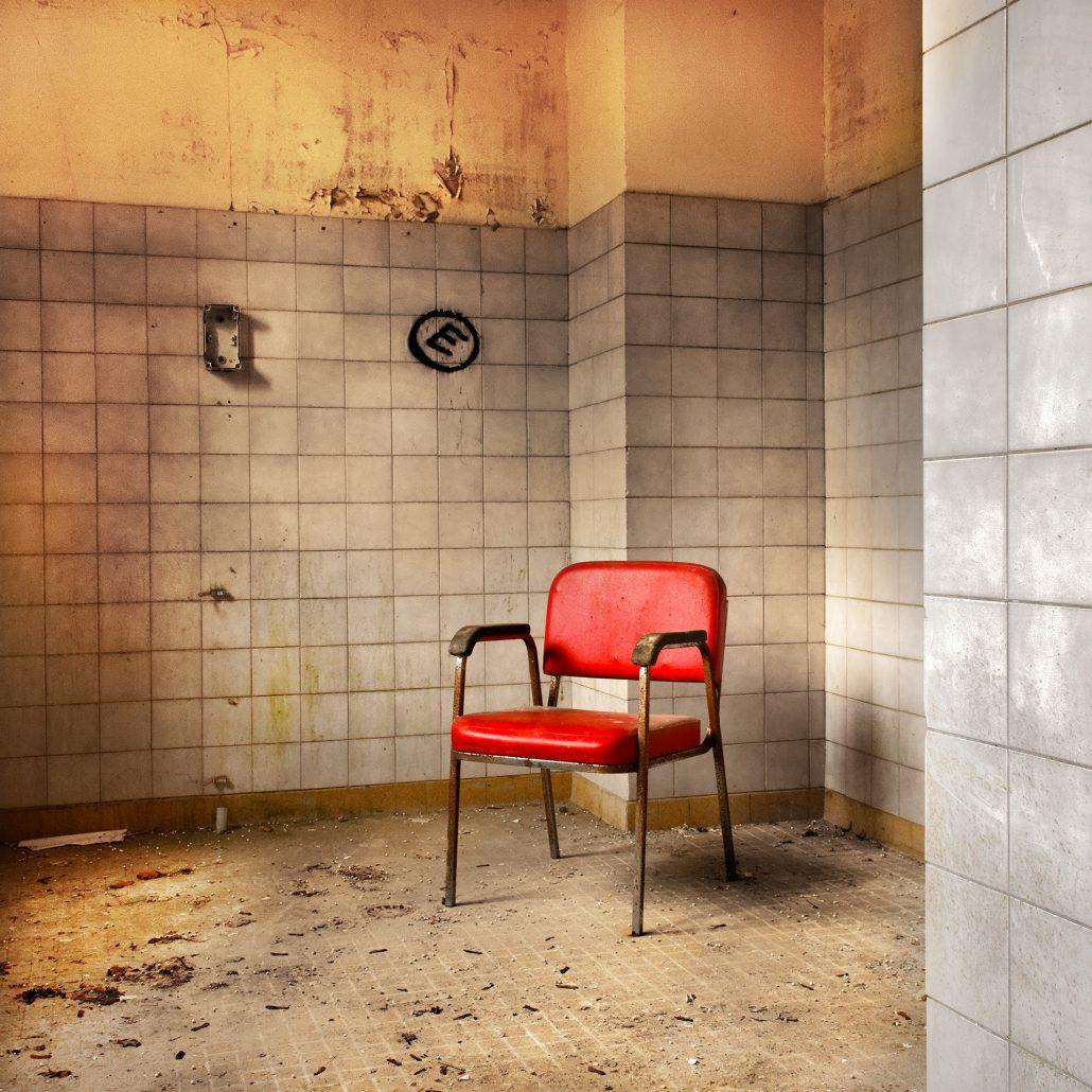 Le fauteuil rouge