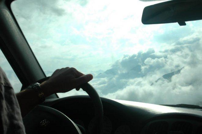 Par delà les nuages
