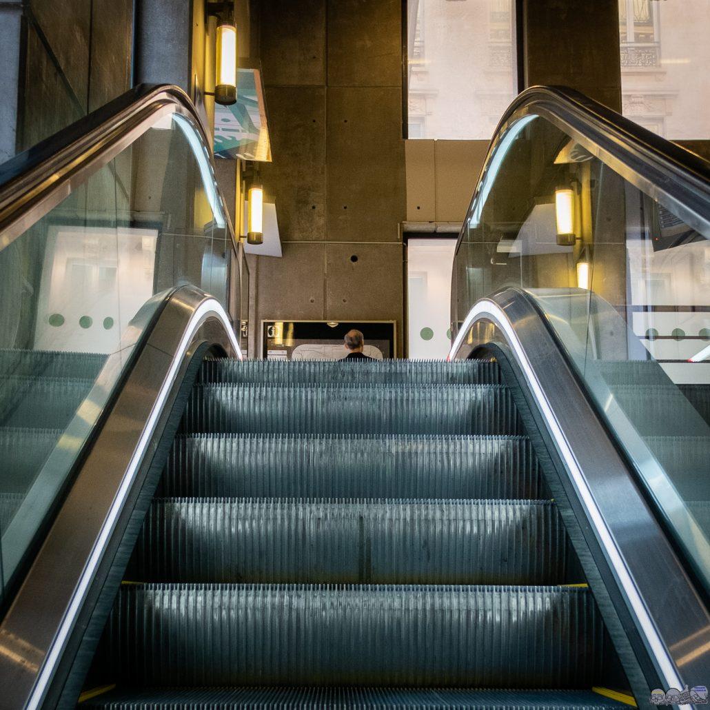 L Homme dans le Metro 02