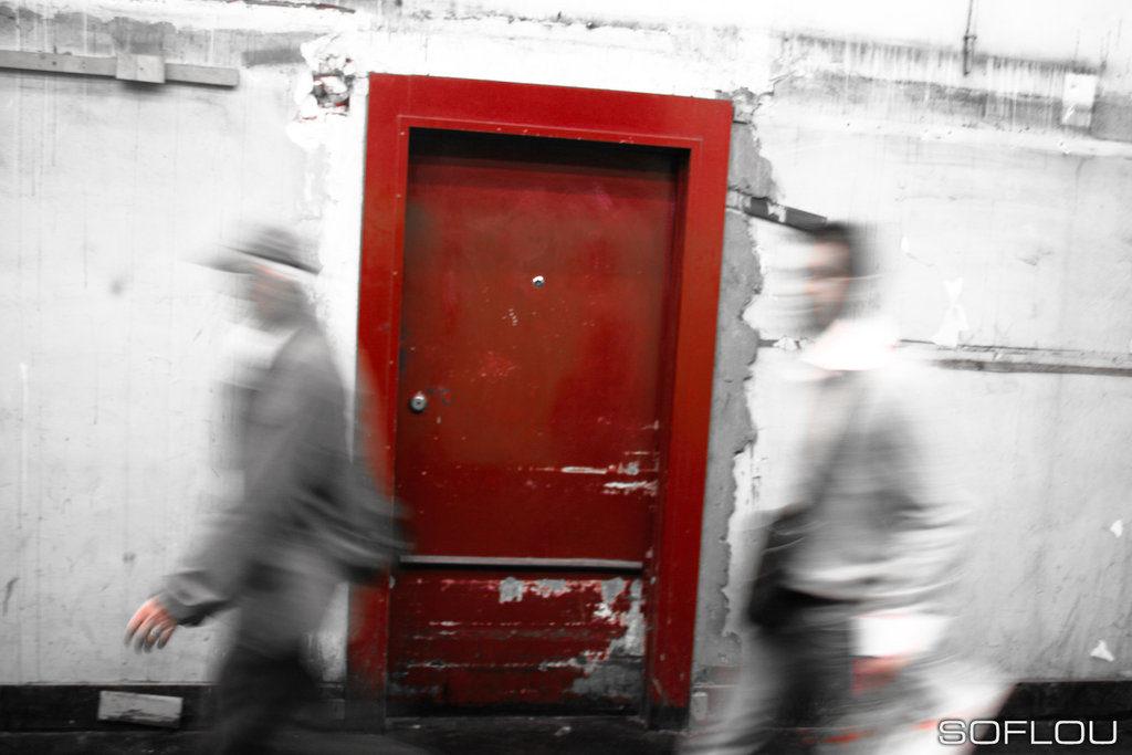 Red_door_1