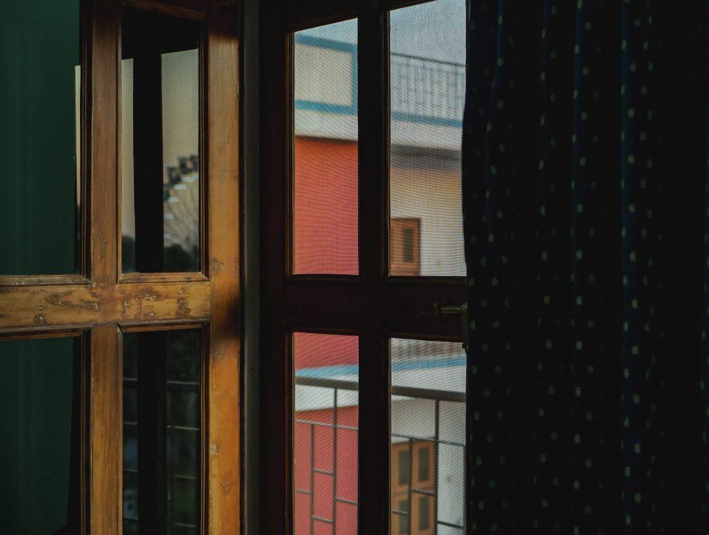 Triptyque d'une Fenêtre sur cour.