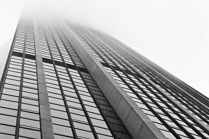La tour Montparnasse embrumée infernale