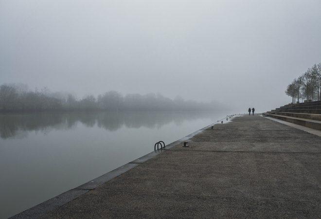 Promemade sous le brouillard