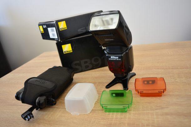 Nikon SB910 + Nikon SD-9