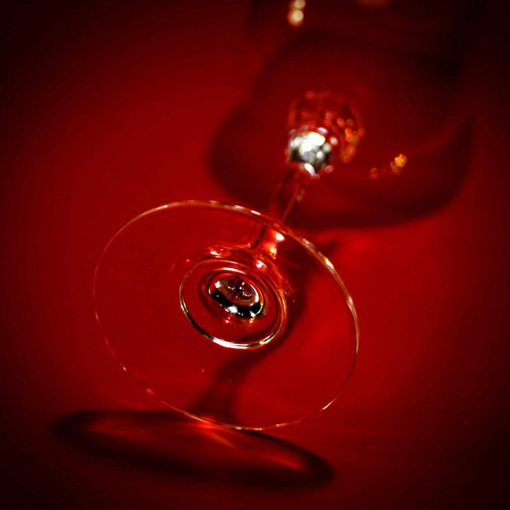 A LA MAISON «Verre sur Rouge»