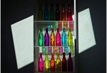 A LA MAISON Les bouteilles