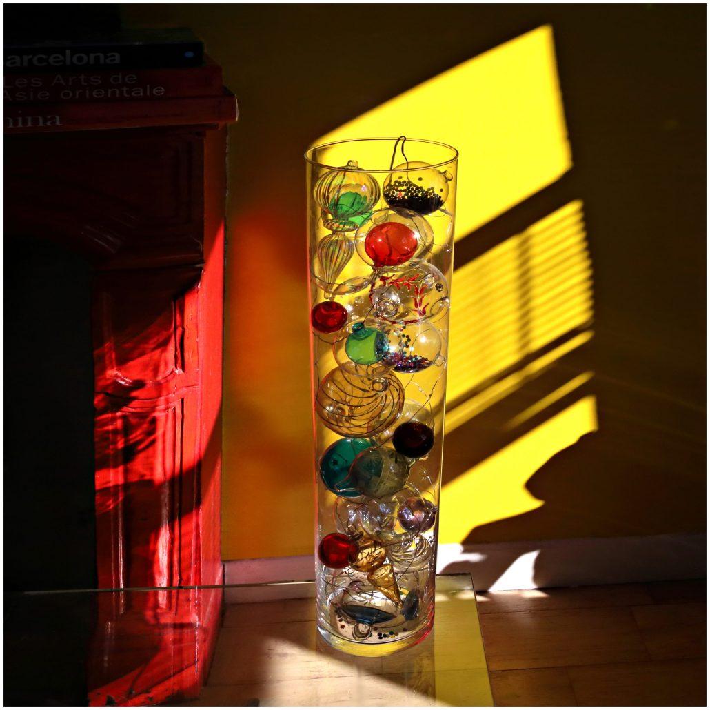 A LA MAISON «Le vase de boules»