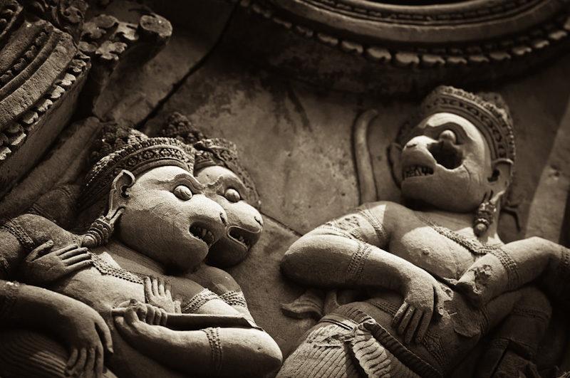 Singes sculptés du temple Banteay Srei