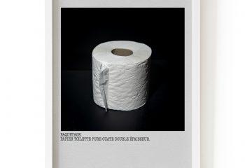 NOUS SOMMES EN GUERRE - Paquetage. Papier toilette.