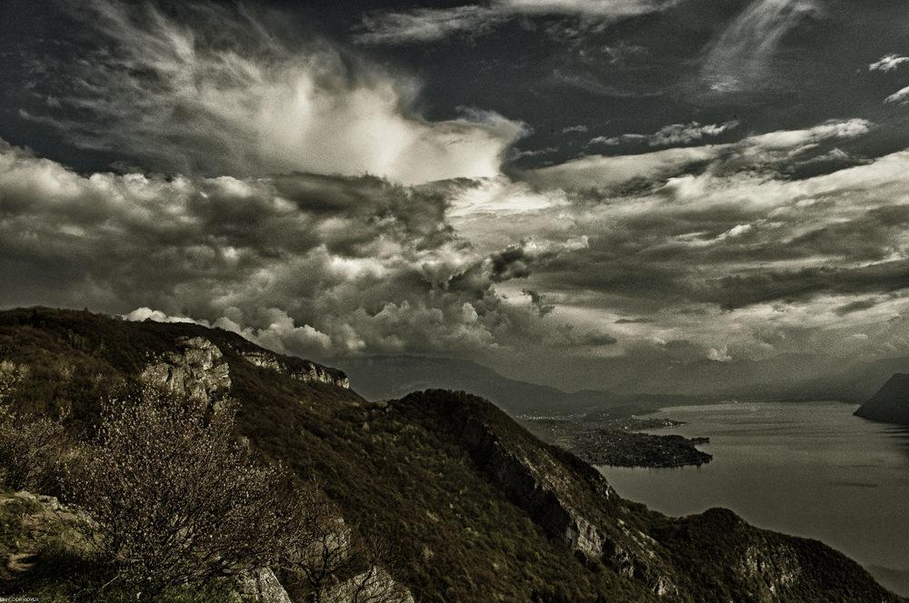 Soir d'orage sur le lac du Bourget