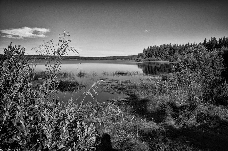 Lac au bord des Cevennes