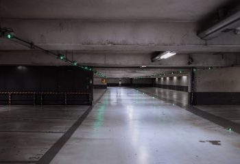 Parking Confiné