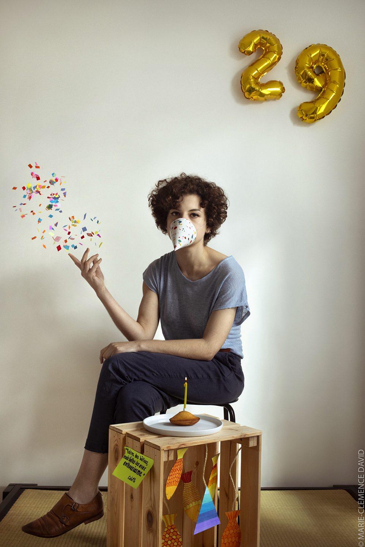 Portrait de la jeune fille en fête