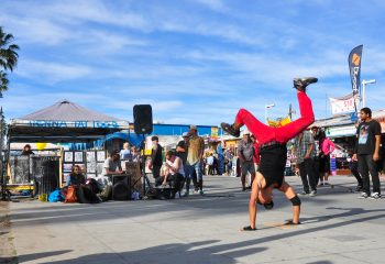 Street Dancer. Venice Beach , Califirnia