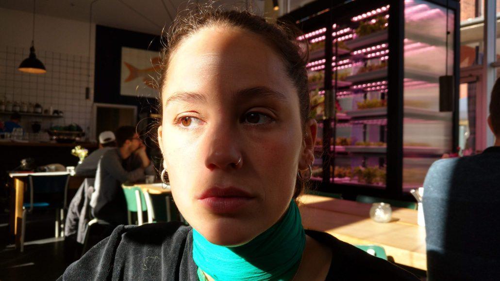 Projection de lumière sur le visage