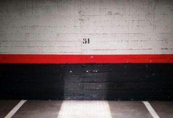 Faisceau de lumière dans le garage