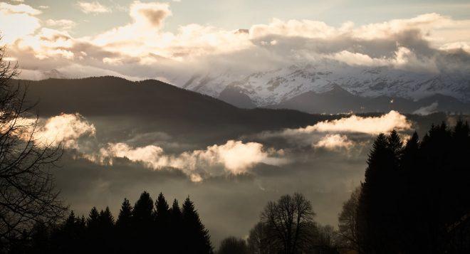 """""""Nulle montagne sans vallée."""" ..."""