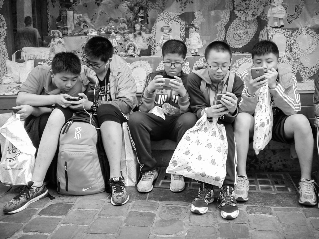 #children-Real and virtual friends
