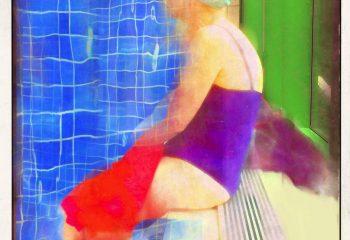 Dame à la piscine