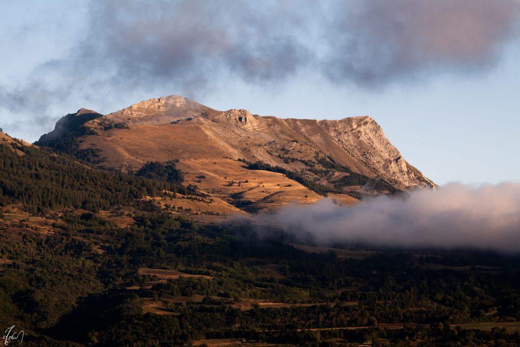 Pic et Aiguille de Gleize (2161 mètres) sur la commune de Gap.