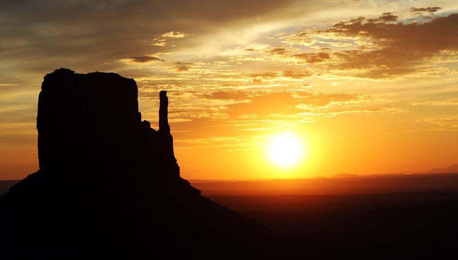 Monument Valley – Sunrise