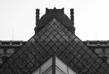 - Louvre -