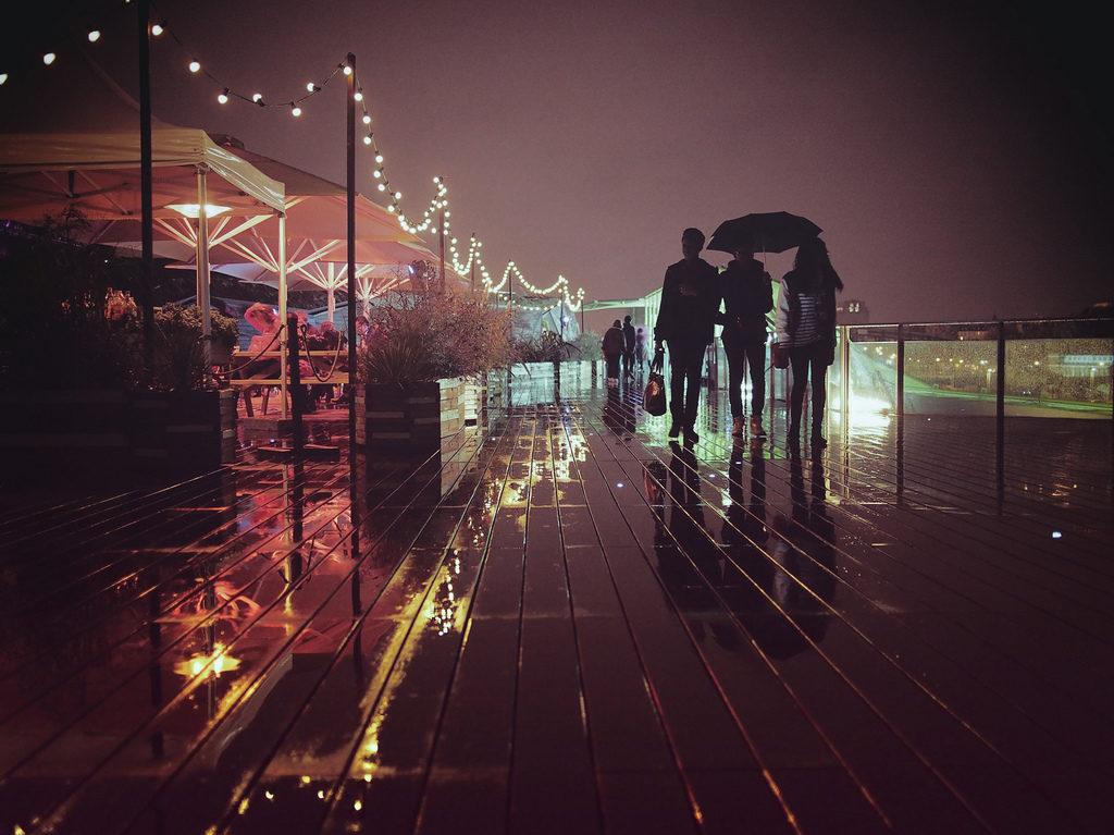 Parapluies Noires pour Nuit Blanche