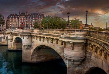 Panorama d'une heure dorée sur le Pont Neuf