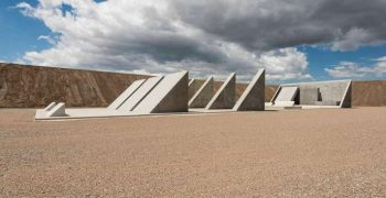 Michael Heizer, le géant qui sculptait le désert