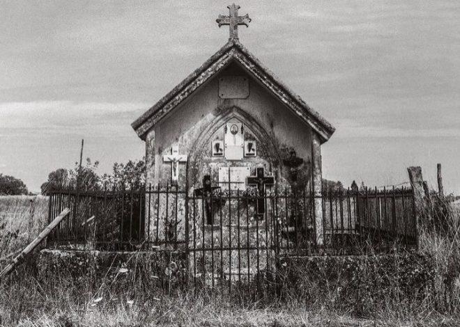 Paysages avec Tombes, un héritage protestant en Aquitaine