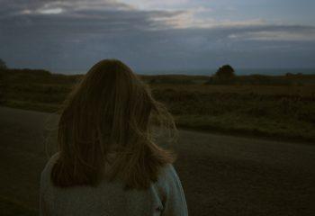 Je restais là, à te regarder attendre... - © Behindthoseclouds