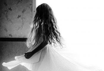 Soudain je m'alanguis, je rêve, je frissonne