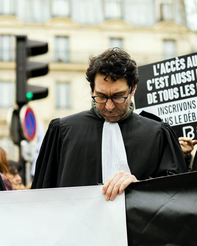 La cour dans la rue