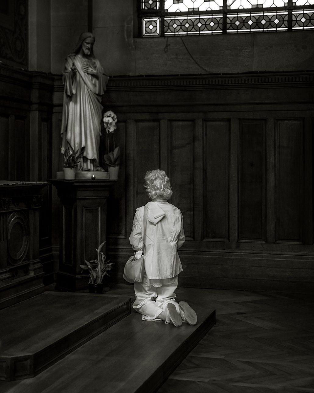 Lady who praye