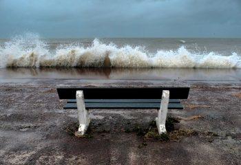 La mer et le banc