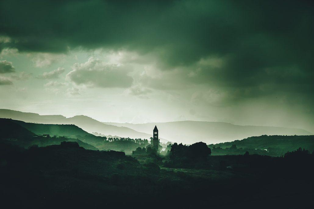 L'église au milieu du village