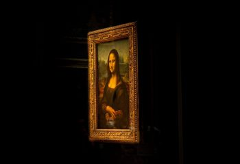 Mona Lisa a attrapé un masque