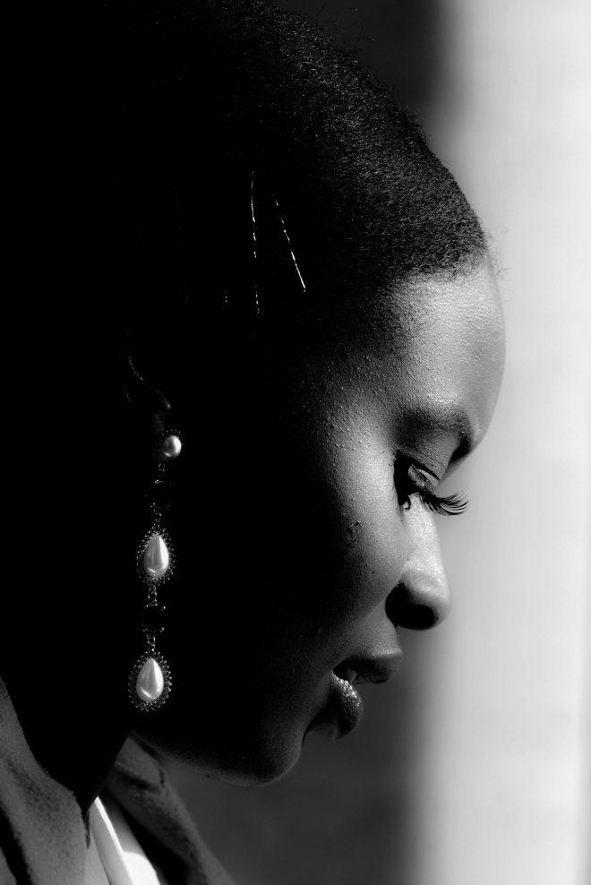 Profil aux perles